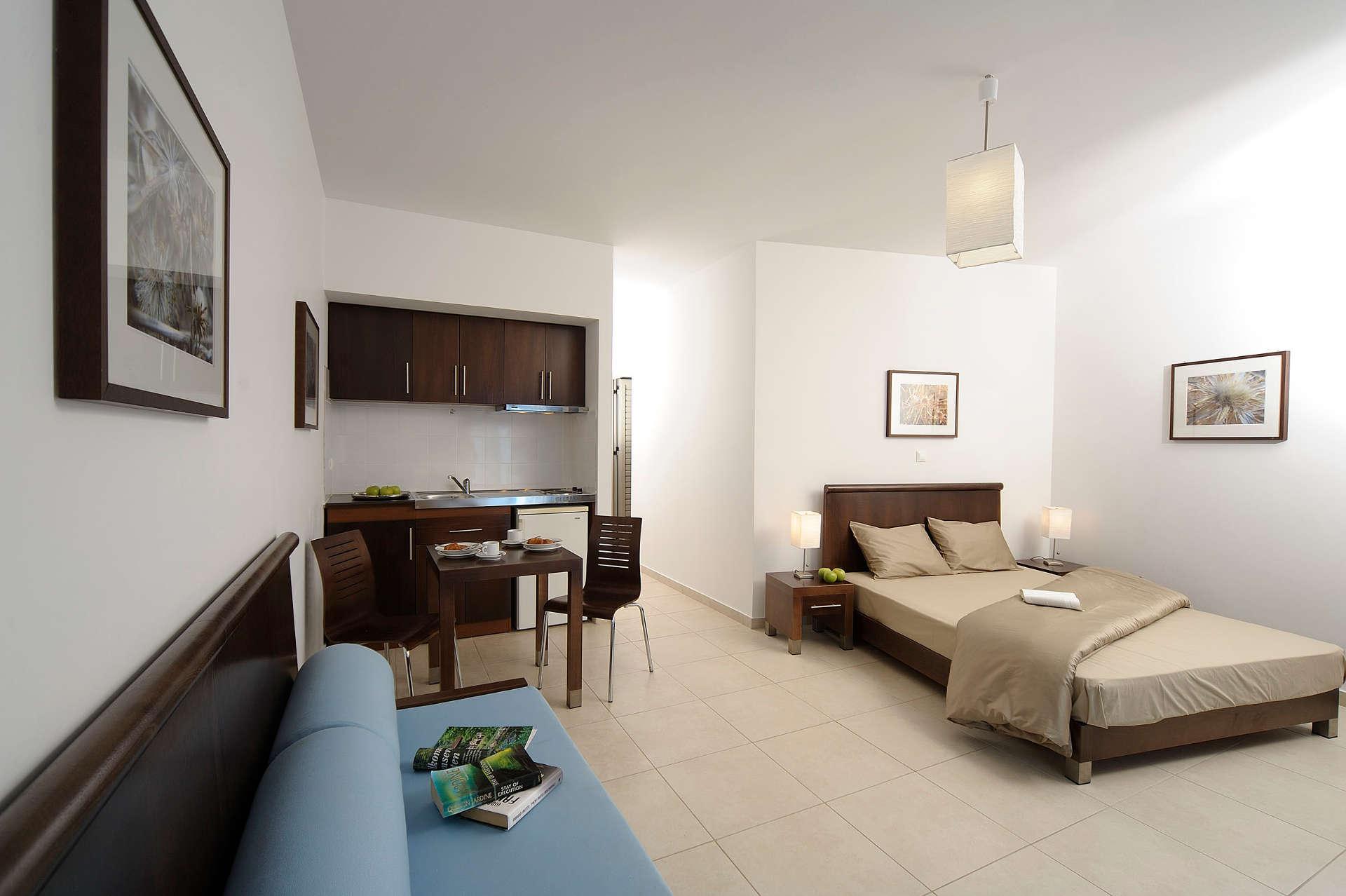 glaros_room02