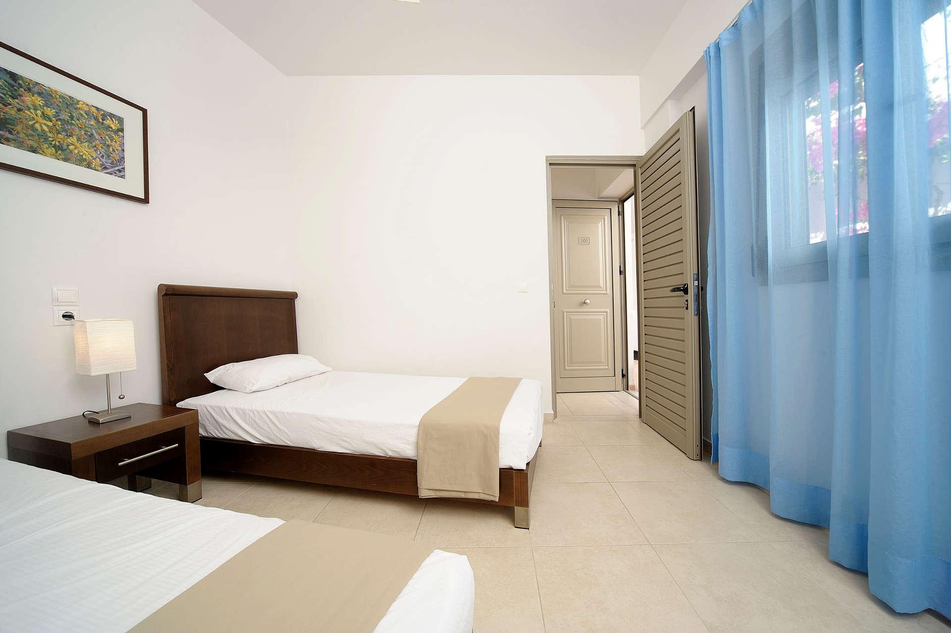 glaros_room07